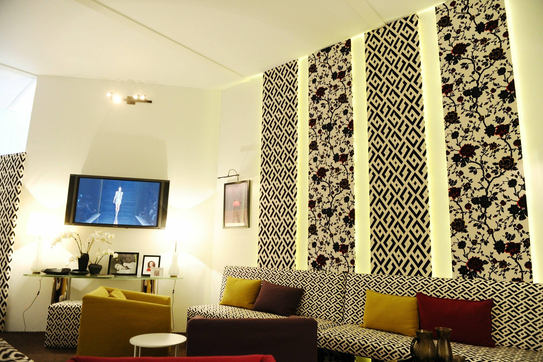 Inside Star Lounge