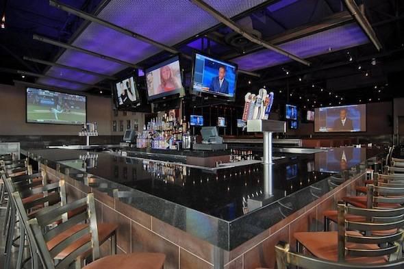 Majerles-Sports-Grill-Bar