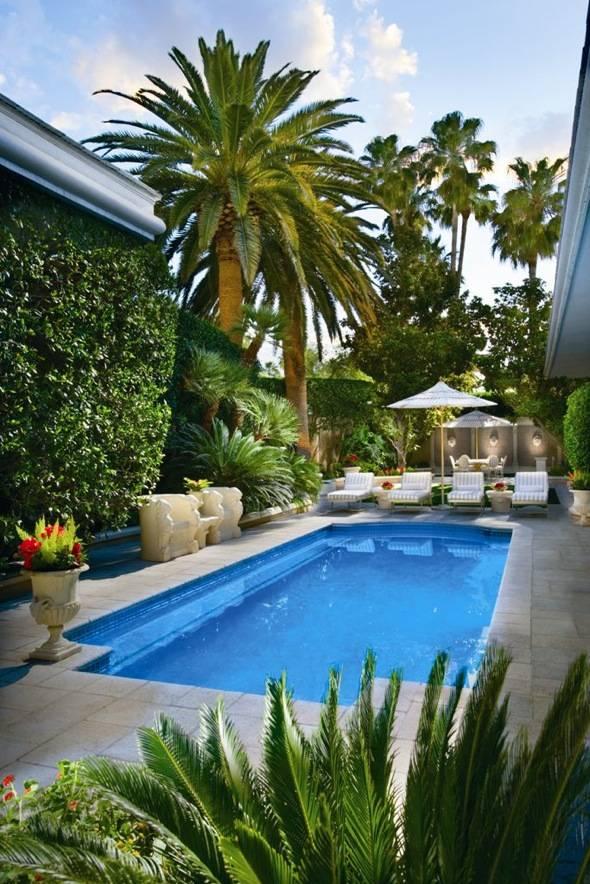 Mirage-Villa pool