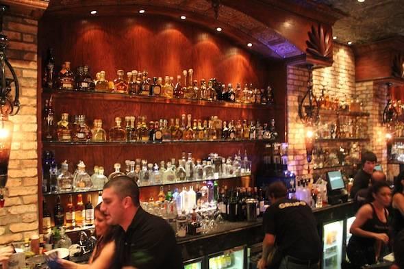 Roccos_Bar