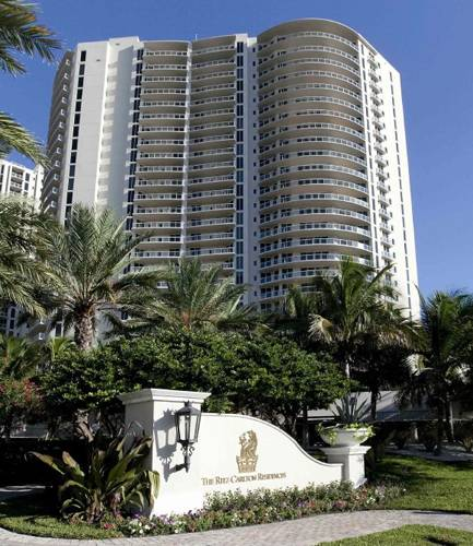ritz-carlton-residences-palm-beach