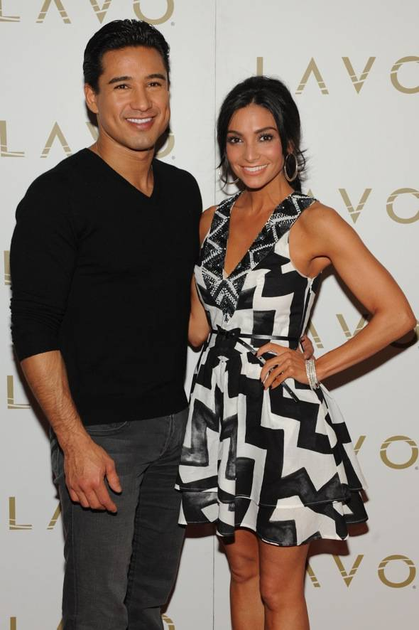 Mario Lopez and Courtney Mazza at LAVO LV red carpet