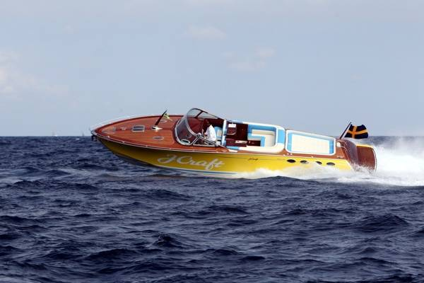 j-craft-boat