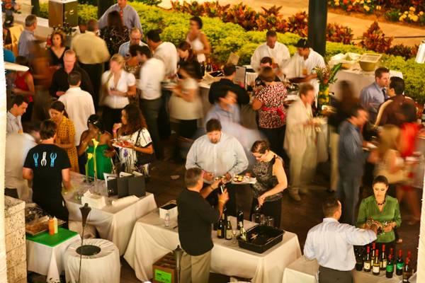 2010-Miami-Wine-Fest-Taste-Toast-birds-eye-view-photo