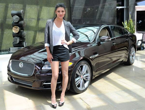 Actress-Jessica-Szohr-at-the-Jaguar-XJ-Experience-event-at-One-Bal-Harbour-Hotel-in-Miami,-Fl.,-on-March-26,-2011