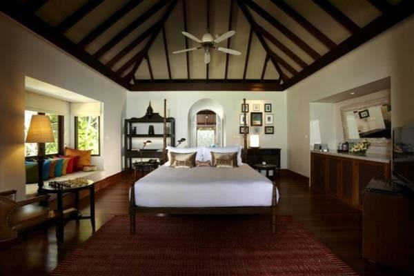 luxury hotel room asia