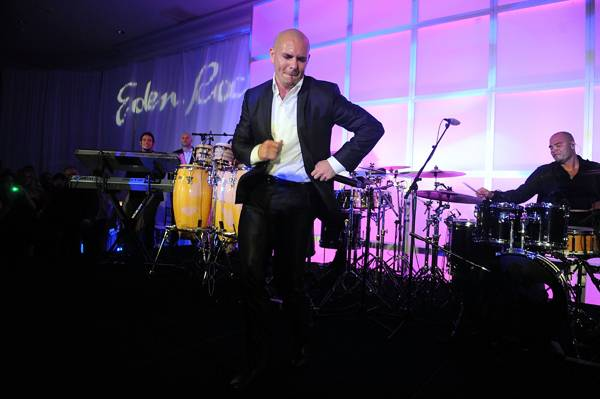 Pitbull-performing-at-The-Blacks-Annual-Gala