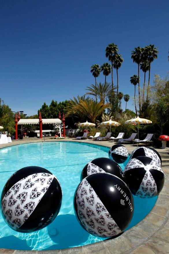 Pool-and-beach-balls