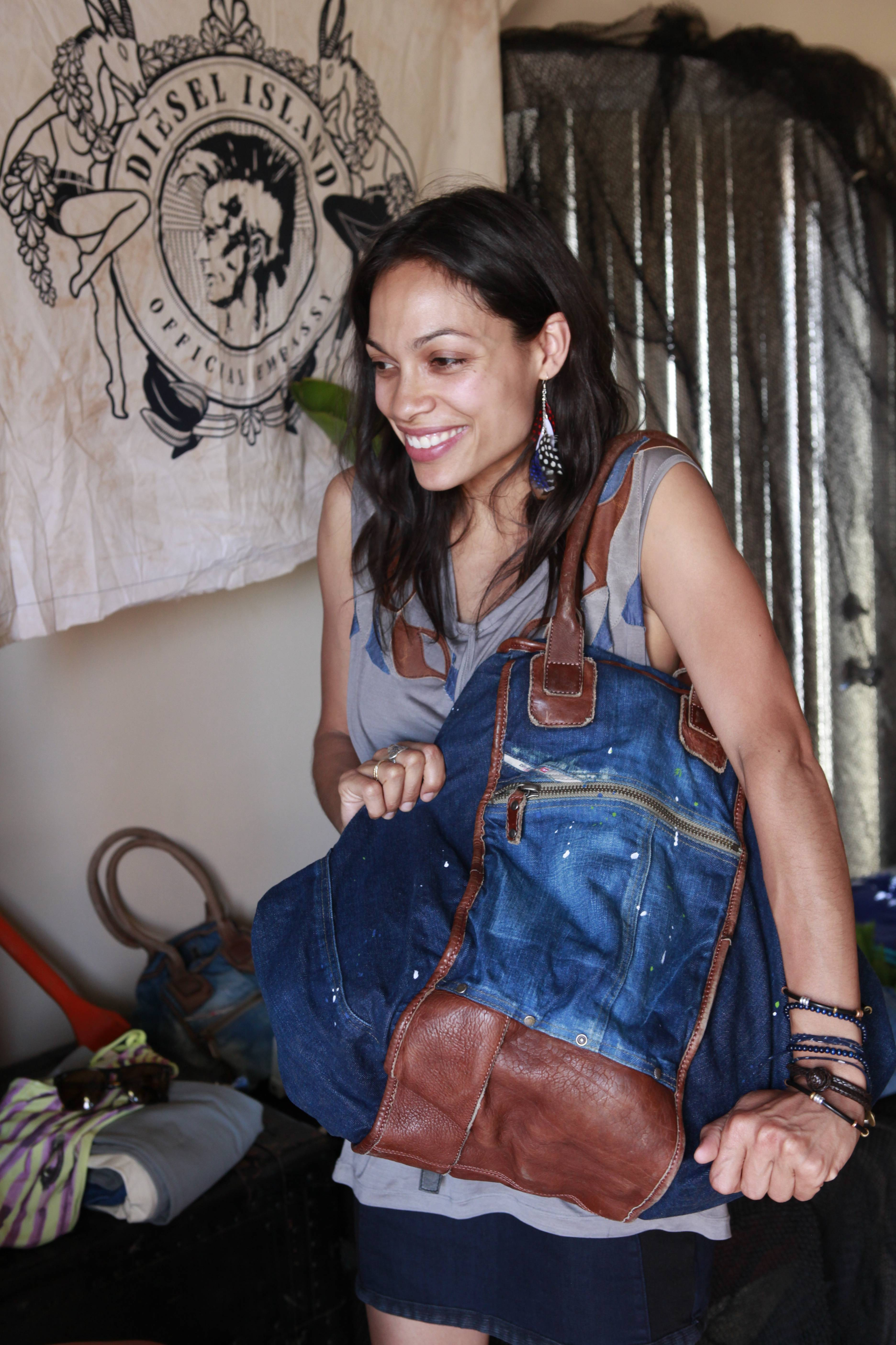 ROSARIO DAWSON with DIVINA bag