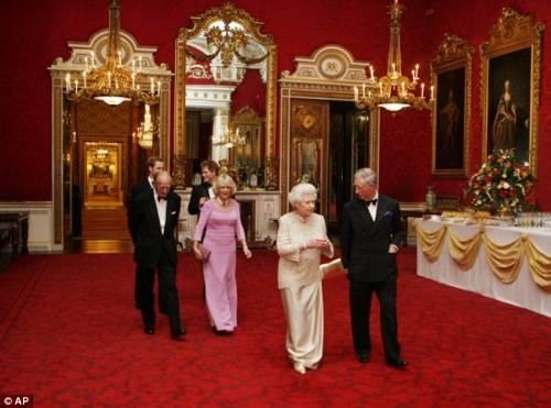 royal family at party