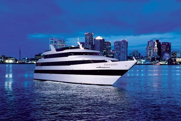 3-Boston_Ship_Night