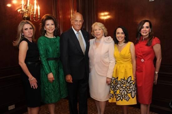 Alina Gallart, Melba Grullon, Oscar de la Renta, Nora Bulnes, Norma Quintero and Amanda Rodriguez