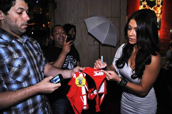 Arianny Celeste signs augtographs at Studio 54, Las Vegas 5.6.11