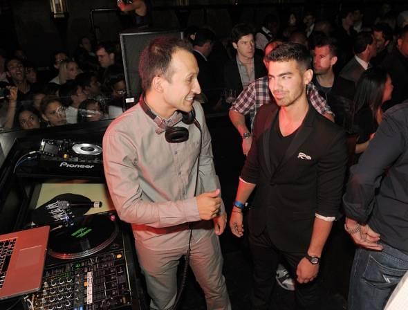 DJ Vice and Joe Jonas at LAVO