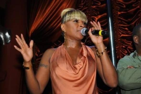 Mary J Blige at Surrender 3