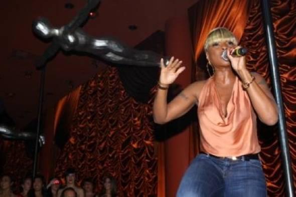 Mary J Blige at Surrender 4
