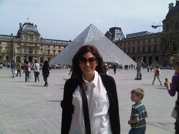 Outside-the-louvre2