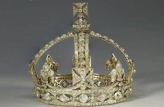Queen-Victorias-Small-Diamond-Crown