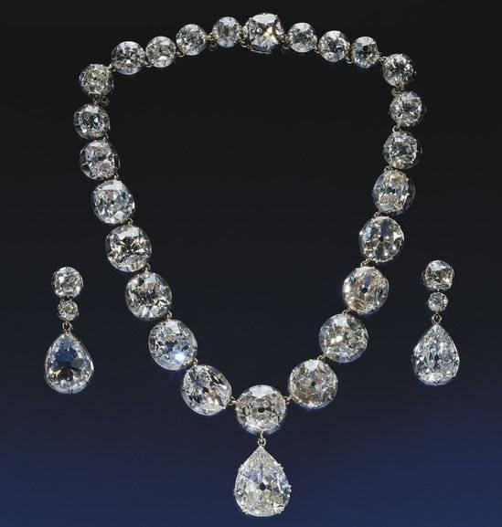 The-Royal-Collection-thumb-550x577