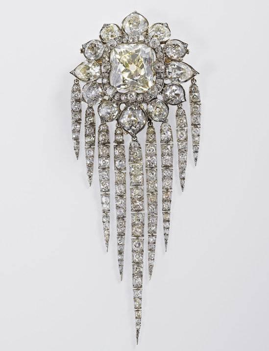 The-Royal-Collection2-thumb-550x716