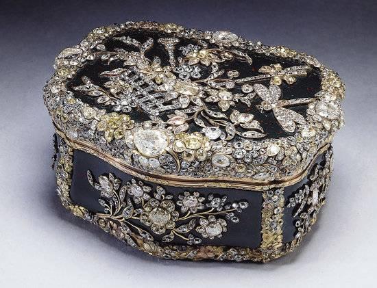 The-Royal-Collection6-thumb-550×421