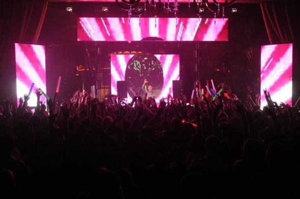 XS - Avicii crowd