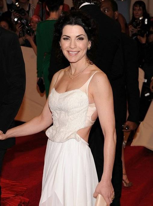 julianna-margulies-wears-nars-met-ball-2011