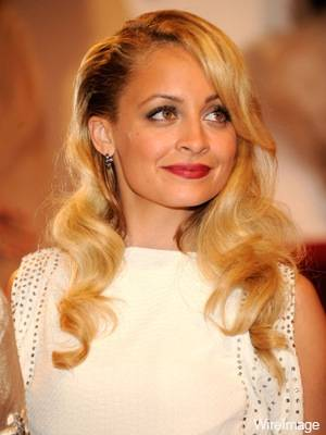 nicole-richie-wears-nars-met-ball-2011