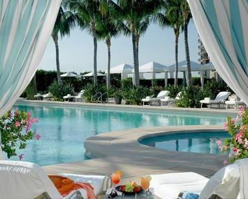 Four Season's Miami Poolside