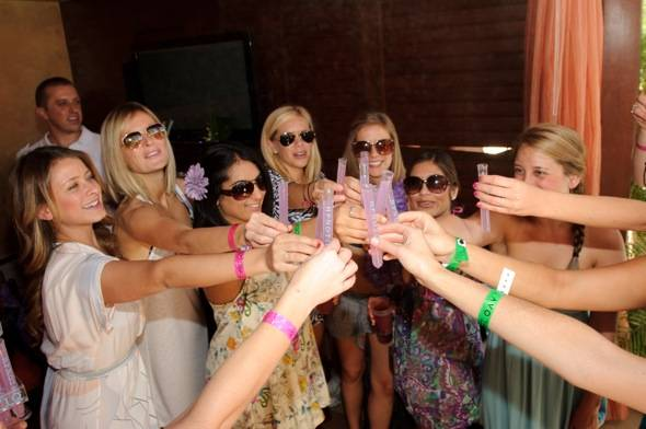 Lo and Erin Bosworth and friends toast with Hpnotic Harmonie shots