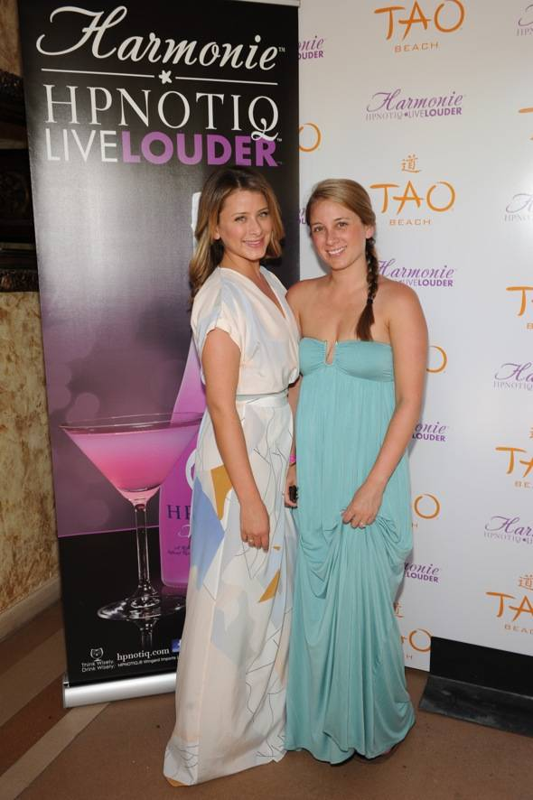 Lo and Erin Bosworth_TAO Beach_red carpet