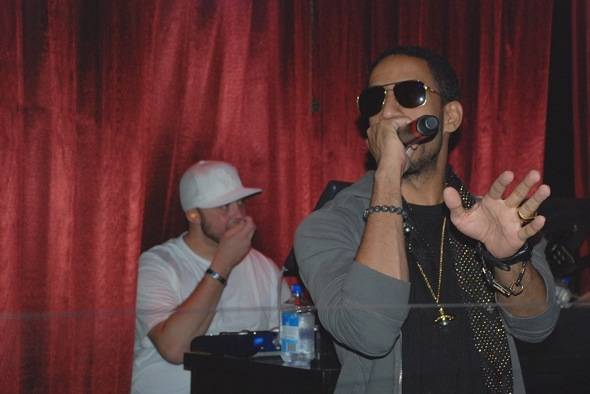 Ryan Leslie_performance2_LAX_6 22 11