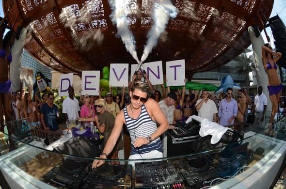 Serge Devant spins at Marquee Dayclub