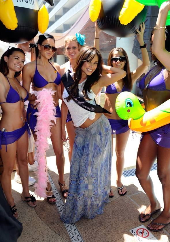 Vanessa Minillo celebrates her bachelorette at Marquee Dayclub