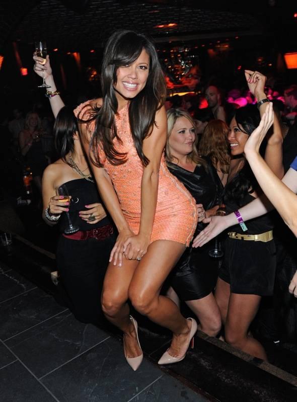 Vanessa Minnillo Celebrates Her Bachelorette at LAVO 2