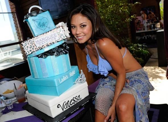 Vanessa Minnillo_bachelorette_cake_Marquee Dayclub