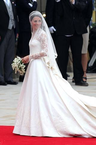 kate-royal-wedding-gown