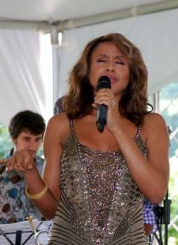 Deborah-Cox-performing