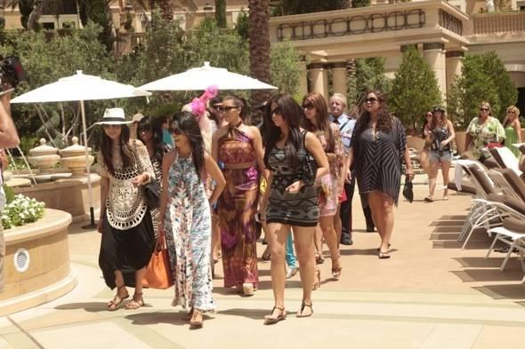 Kim Kardashian_Palazzo Pool