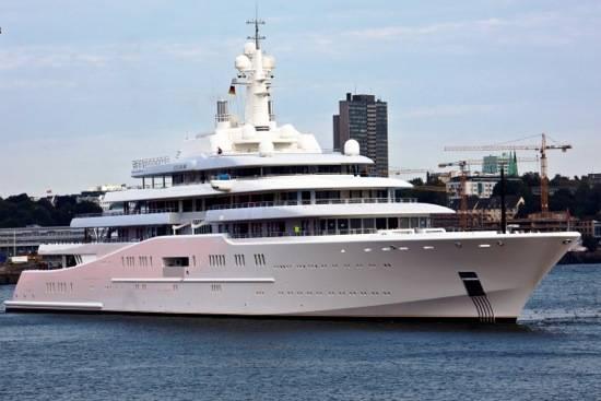 Luxury-Yacht-ECLIPSE-Image-650×434