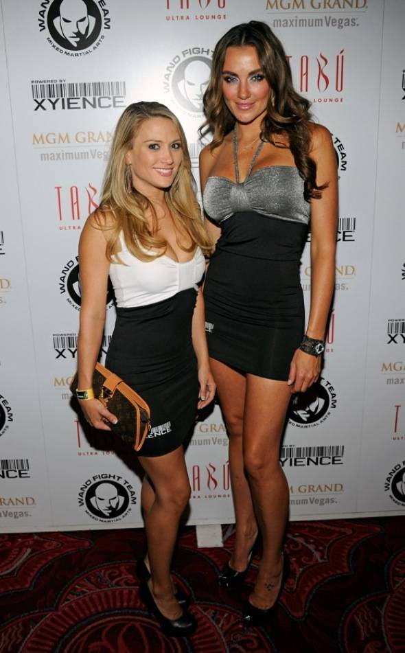 XIENCE Spokesmodels Amanda Corey and Amber Nichole on Carpet at Tabu Ultra Lounge, Las Vegas, 7.2.11
