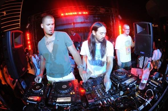 XS - Afrojack and Aoki 2 Credit to Mahoney