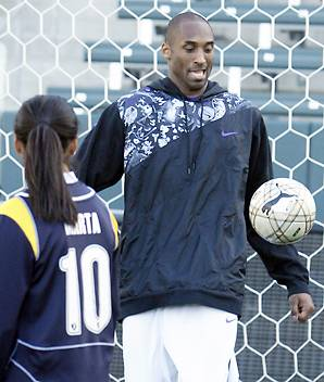 kobe-soccer1