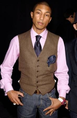 pharrell-williams-at-the-louis-vutton-party1-300×459