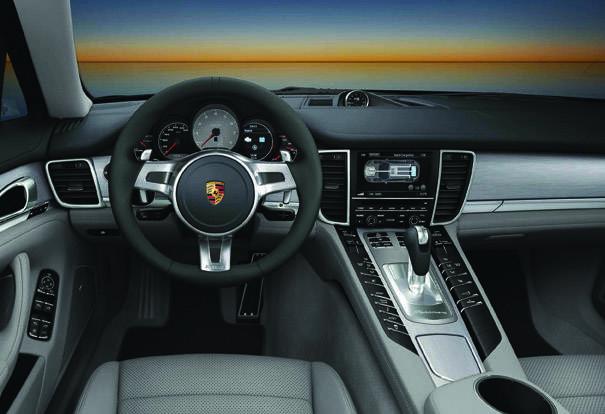 x2012_Porsche_Panamera_S_hybrid...023