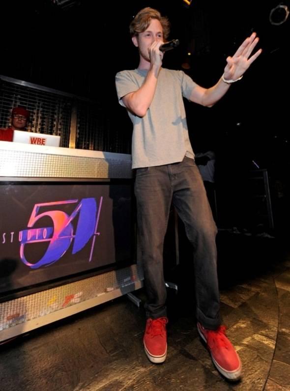Asher Roth performing at Studio 54, Las Vegas 2 8.6.11