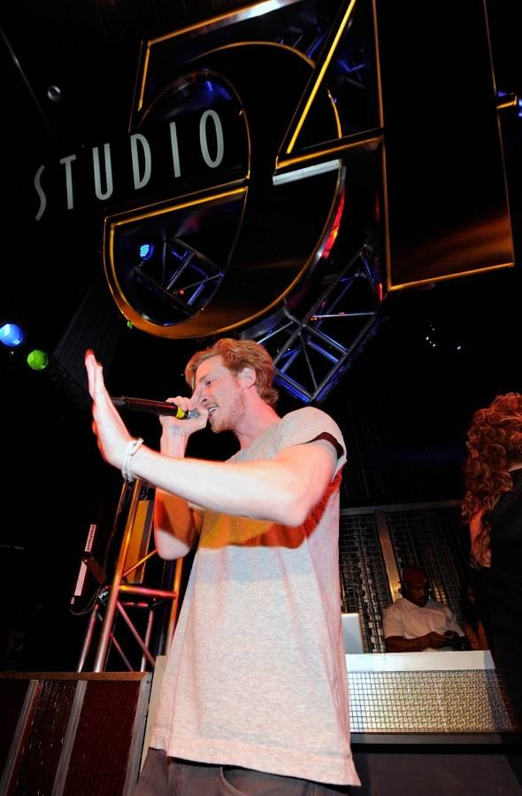 Asher Roth performing at Studio 54, Las Vegas 8.6.11