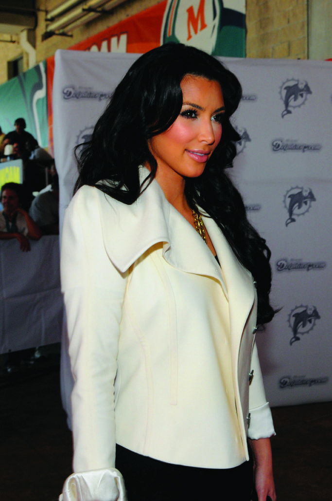 Kim_Kardashian_Dolphins vs Saintsfdw