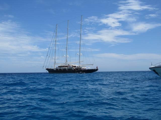 eos diller von boat 1
