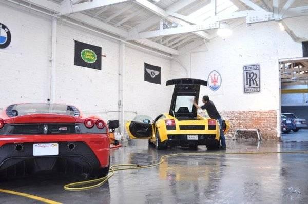 Ferrari Scuderia & Lamborghini Superleggera